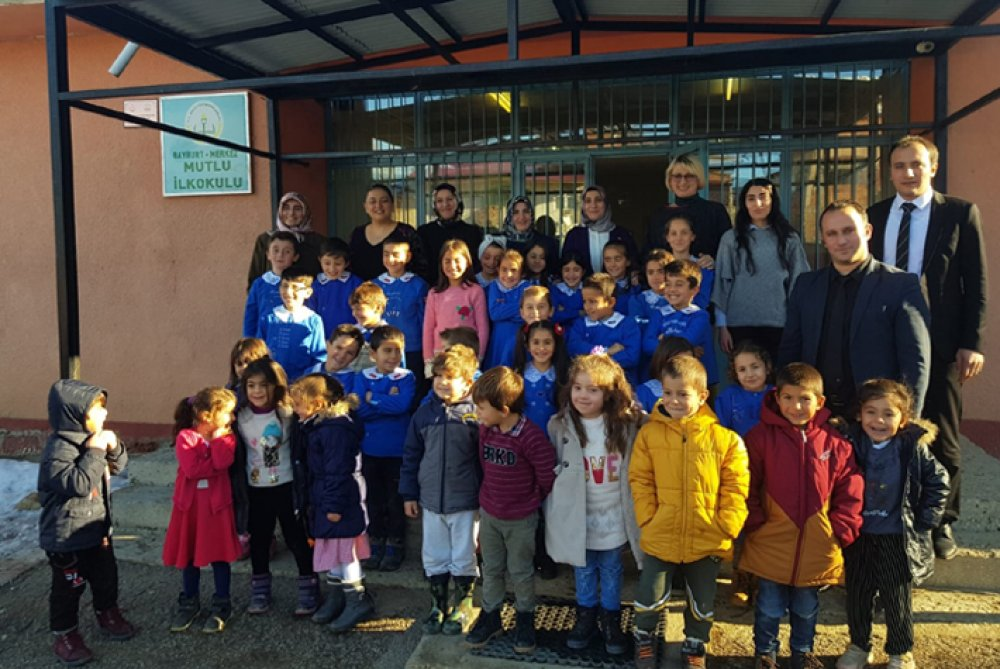 Annelerden Köy Okullarına Destek