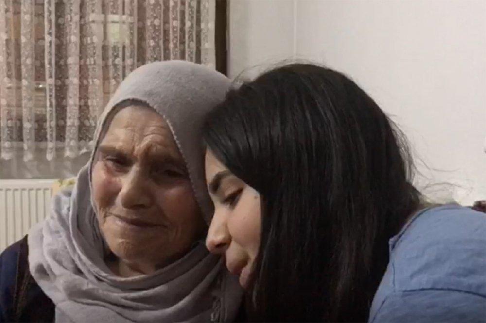Ceren Öksüz 88 Yaşındaki Hayranını Kırmadı