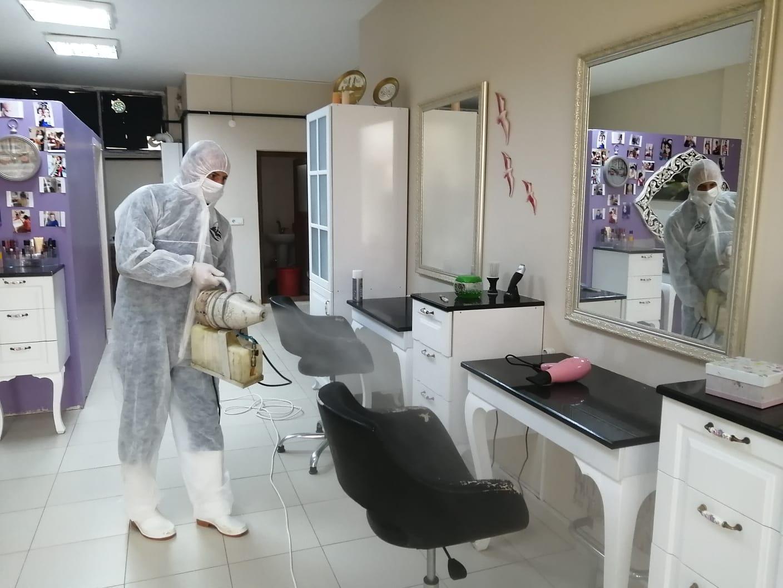 Kuaförler Dezenfekte Ediliyor