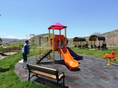 Çocuk Parkları Dezenfekte Edildi