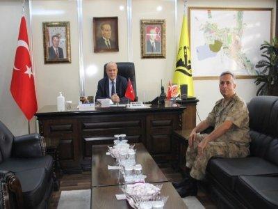 Göreve Yeni Başlayan Albay Yiğit Belediye Başkanı Pekmezci'yi Ziyaret Etti