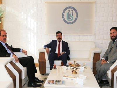 İzmir Katip Çelebi Üniversitesi Rektörü Köse'den Rektör Coşkun'a Ziyaret