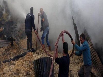 Mutlu Köyünde Yangın: 7 ev, 2 Ahır Kullanılamaz Halde