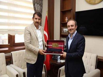 Sivas Valisi Salih AYHAN'dan Vali EPÇİM'e Ziyaret